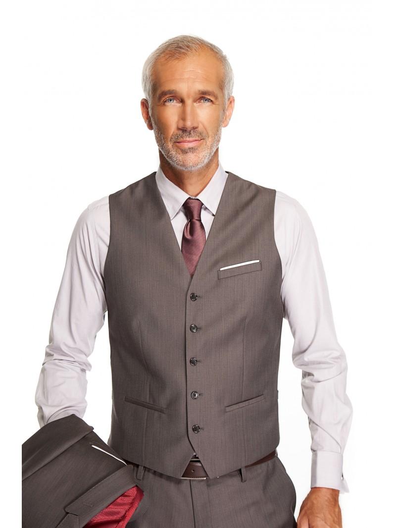 gilet de costume il doit tre de m me couleur que le costume. Black Bedroom Furniture Sets. Home Design Ideas