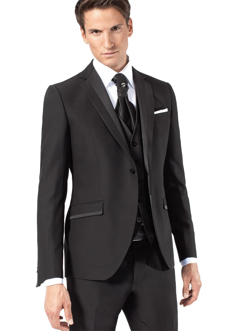 Costume Noir Un Simple Accessoire Vous Mettra En Valeur