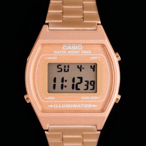 montre casio vintage rose